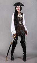Элизабет Суонн Пиратка на Хэллоуин.